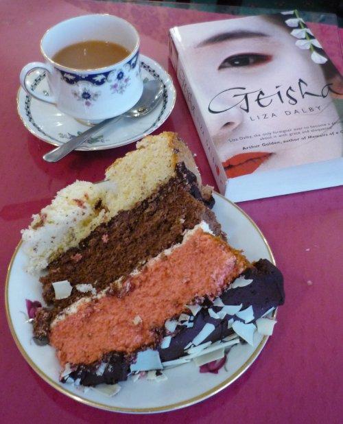 Hetties Signature Cake with tea