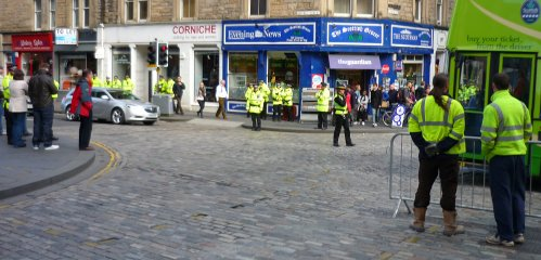 Police presence at the Canongate for the anti-SDL march