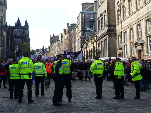Police presence at anti-SDL march on the High Street