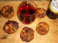 Pear and blue cheese scones with wine